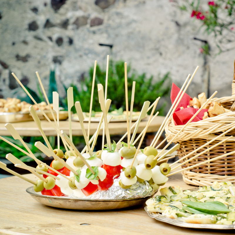 04-05-2019-Picnic-Perfect-Plates-for-Outdoor-Dining