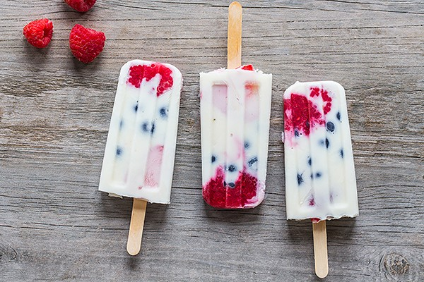 07-23-2019-Creamy-Vanilla-Berry-Ice-Pops